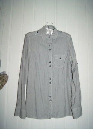 Kup mój przedmiot na #vintedpl http://www.vinted.pl/damska-odziez/koszule/17005379-piekna-koszula-w-pionowe-paski-z-kieszonka