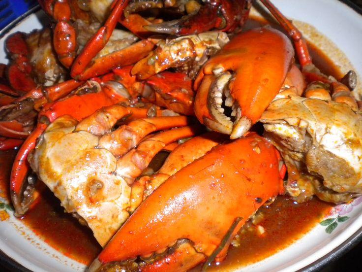 Kepiting Saos Khas Balikpapan Belum lengkap rasanya klo ke Balikpapan belum nyobain mkanan seafood satu ini.Apabila berkunjung ke Balikpapan bisa nyobain ini di Restoran Kenari ataupun Dandito.