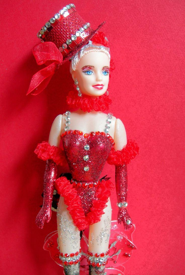 abito ispirato al moulin rouge