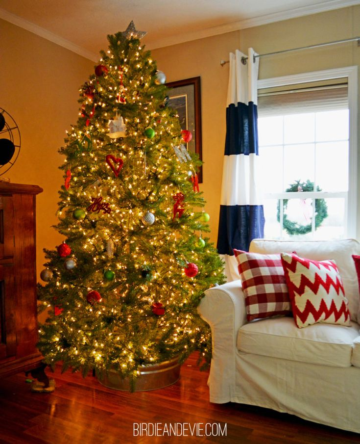 The 25+ best Farmhouse christmas tree stands ideas on Pinterest ...