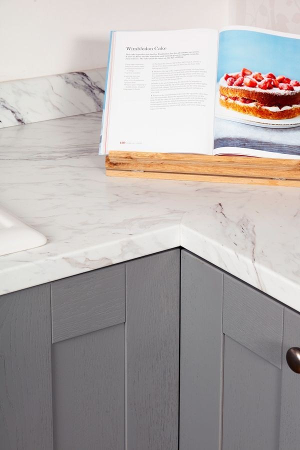 Download Wallpaper White And Grey Marble Kitchen Worktop