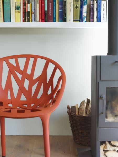 Les 25 meilleures id es de la cat gorie chaise plastique - Peindre des chaises en plastique ...