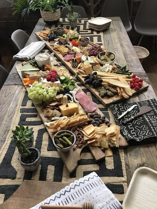 Top Ten Grazing Table to Groom Your Event Wooden Bread Board, Wooden Cheese Board, Wooden Serving Platters, Buffet, Wooden Food, All Fruits, Cheese Platters, Party Platters, Grazing Tables