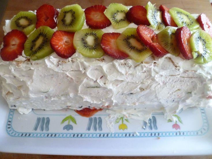 Dolce alla frutta con sfogliatine e plumcake