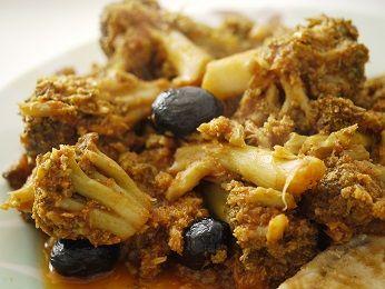 Impara la ricetta di Cavolfiore piccante al pomodoro e porta a tavola un piatto gustoso per i tuoi ospiti. Scopri tutte le nostre ricette di cucina!