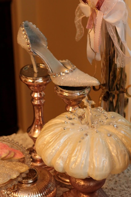 Cinderella Pumpkins and Glass Slipper DIY ~ perfect for any kinds of Princess theme party!