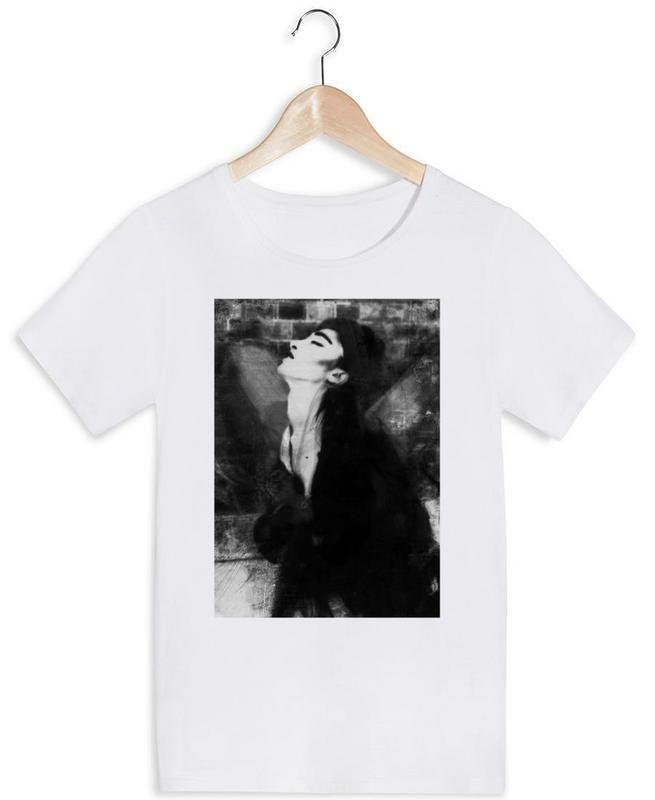 Young Angel en Tee-shirt femme par Sophie Etchart | JUNIQE https://www.juniqe.fr/young-angel-t-shirts-femme-943361.html?nosto=nosto-page-product1-reboot