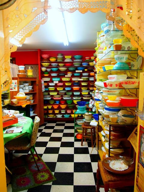 Pyrex Museum - Bremerton, WA....I would love to see this and I think Rachelle…