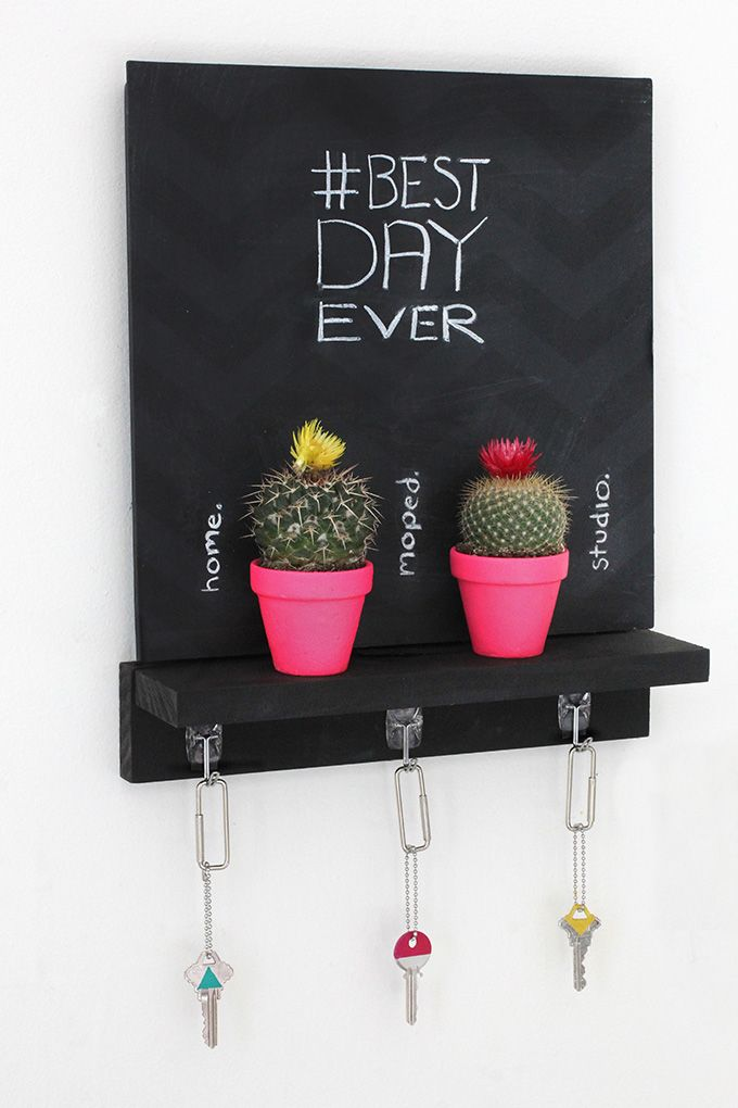 MY DIY | Chalkboard Key Holder - Love the neon pink cactus accents. Cheerful entryway decor.