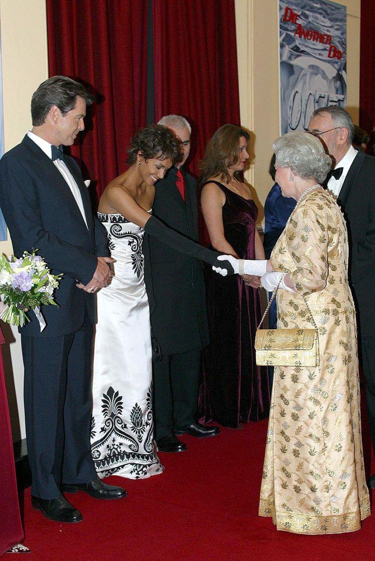22 Best ELIZABETH HURLEY FEET 8.5 images | Celebrity feet ...