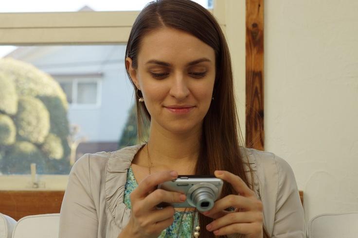 """W710 - cyfrowy aparat kompaktowy, 16,1 megapiksela, zoom optyczny 5x, HD, inteligentna automatyka, ekran LCD 6,7 cm (2,7""""), efekty w obrazie i zaawansowana lampa błyskowa."""