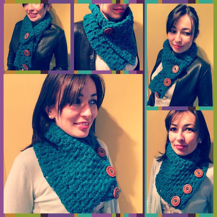 Cuello #multiusos tejido a #crochet disponible en todos los colores. Info en lanitasycrochet@gmail.com -whatsapp 3003983512. Síguenos en Instagram como Lanitas y Crochet!