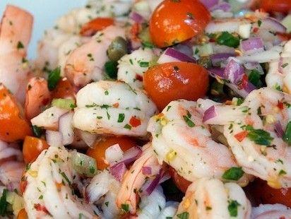 Heerlijke salade voor het weekend met gamba's en kappertjes