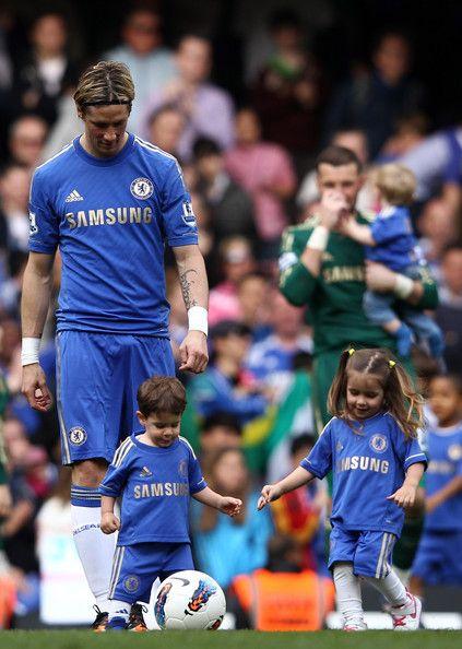 leo torres | Leo Torres Fernando Torres of Chelsea with his children Nora Torres ...