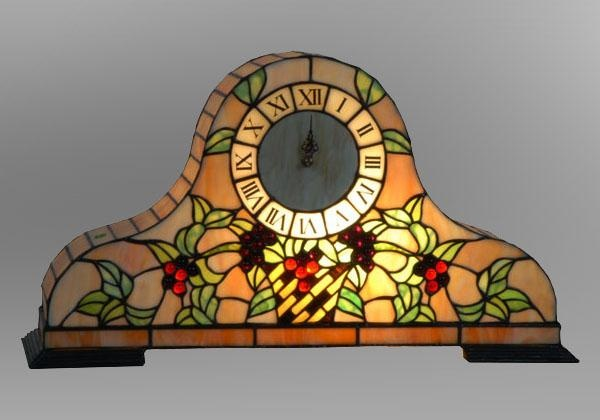 Stained Glass Mantel Clock, Tiffany style. I want one!