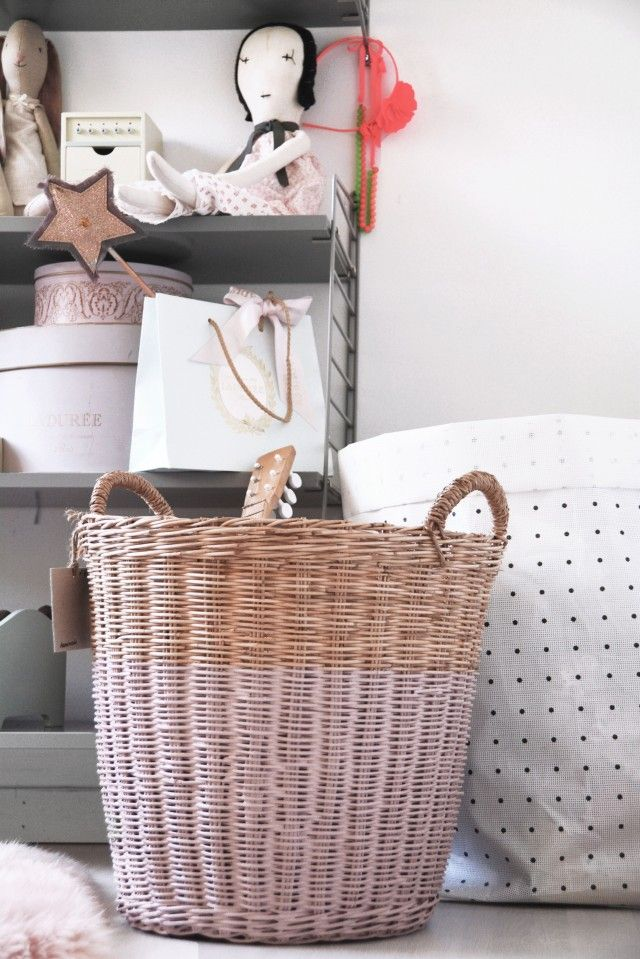 Numero74 large rattan basket - Dusty Pink