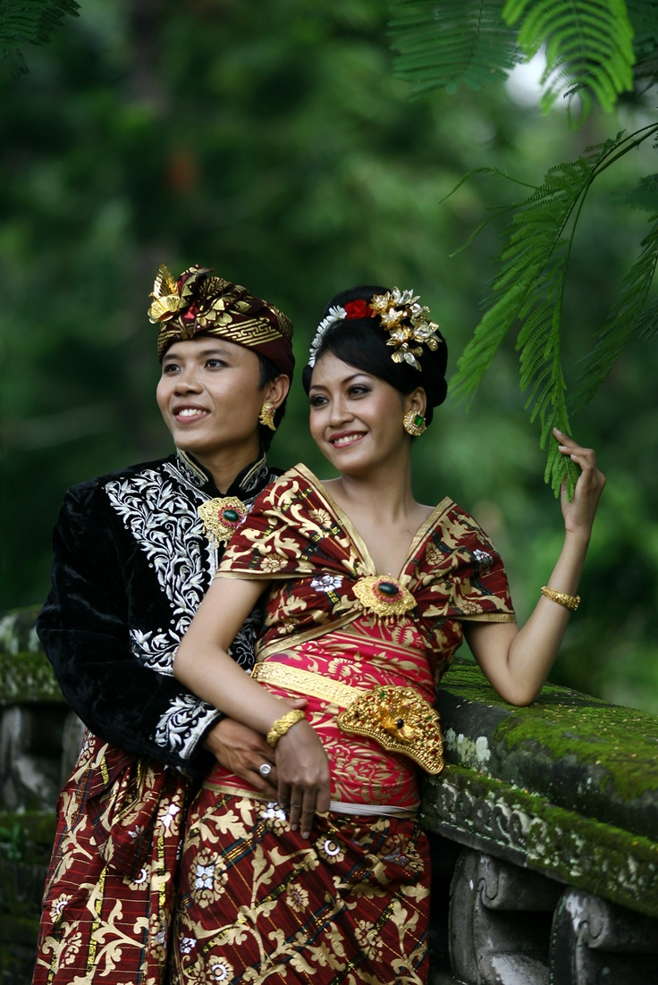 Traditional Balinese wedding dress.