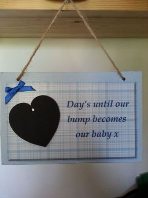 Baby due date countdown plaque, with a chalkboard heart. Too cute, although I would design it with gender neutral colors or a combo of pink & blue