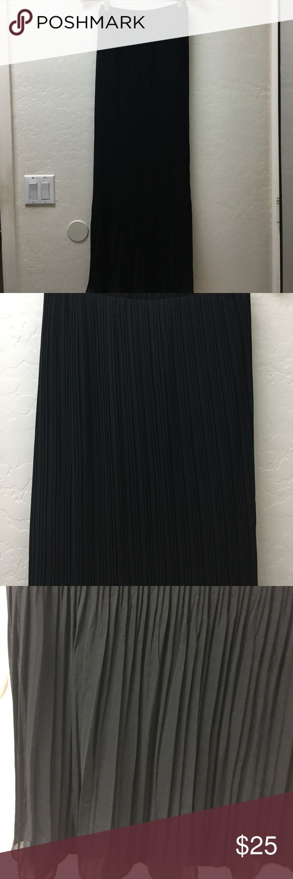 Long Pleated Skirt Black size S Gorgeous black Perfect Hot and Delicious Skirts Maxi