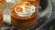 Karamellpudding med salte brente mandler