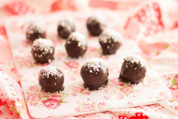 Bombons de Coco e Chocolate Negro Saudáveis...histórias e o desafio saudável!