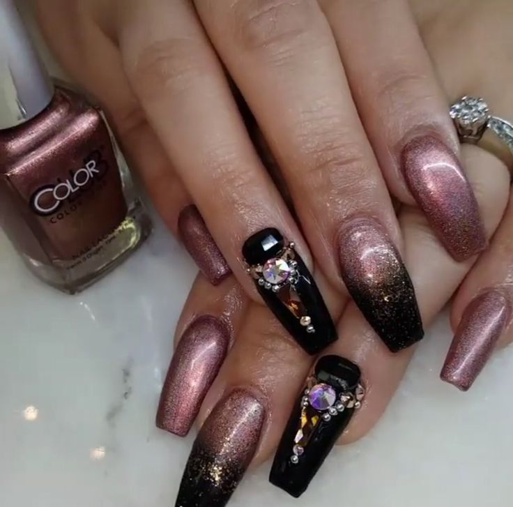 Rose Gold And Black Nail Design Gold Acrylic Nails Black Nail