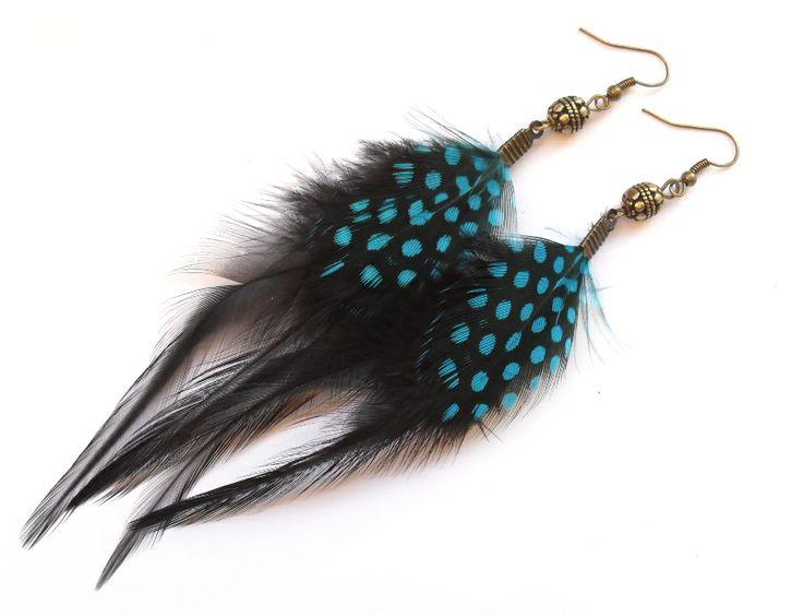 Earrings with feathers. Örhängen med fjädrar från Lady of the Lake Smycken.