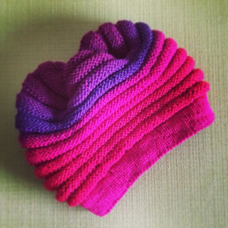 #WurmHat by Umschlagplatz, this quick and easy knit hat is super #cute used #SchoppelWoole #Gradient which is 100% virgin wool. #yarnsbydesign #pittsburgh #oakmont #yarnporn