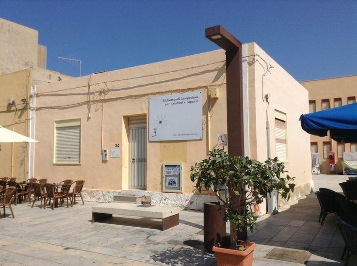 """Una mostra di """"silent books"""" della Biblioteca per ragazzi di Lampedusa apre il 5 aprile. Le scrittrici Bicec e Turcanu presetano i loro romanzi"""
