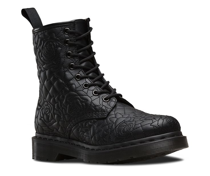 pretty rose quilting on this new doc marten boot this is brause doc martens. Black Bedroom Furniture Sets. Home Design Ideas
