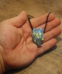 labradorite wolf necklace ile ilgili görsel sonucu