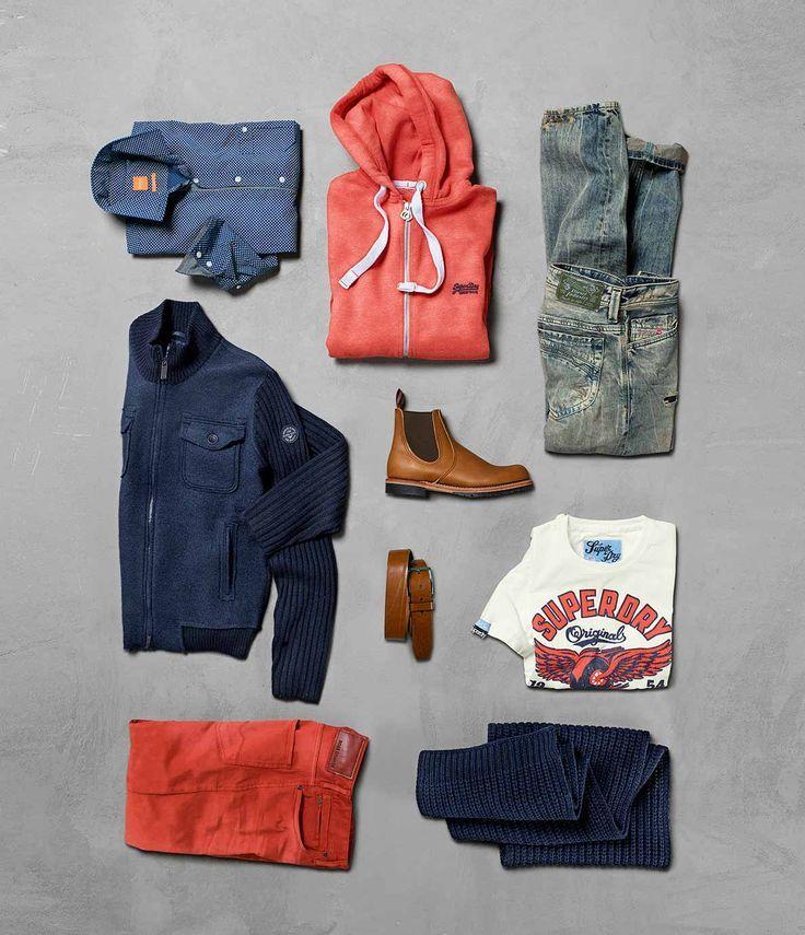 Das HIRMER LOFT im Untergeschoss präsentiert Männermode für echte Männer: Hemd von BOSS ORANGE, Sweatjacke von SUPERDRY, Jeans von DIESEL, Strickjacke von ARMANI JEANS, Stiefel von RED WING, T-Shirt von SUPERDRY, 5-Pocket-Hose von BOSS ORANGE, Schal von HUGO.