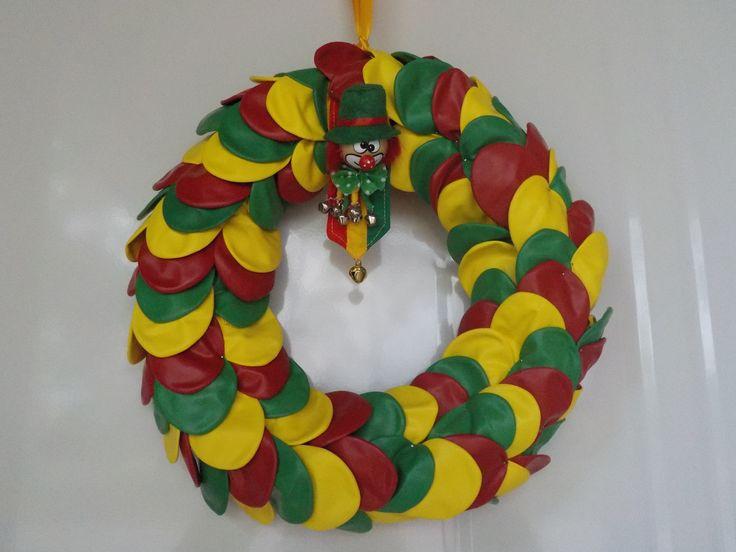 carnavalskrans met balonnen
