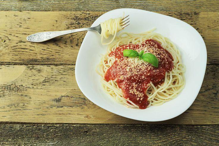 Seit Jahren beherrschen Nudeln in jeder Form und Länge aus Hartweizengrieß oder als Eiernudeln die Regale. Pastafans stellen sogar ihre eigene Pasta her.