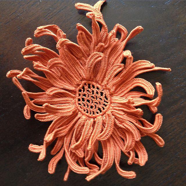 Ravelry: frankiedavis' Chrysanthemum Opera Bag IC CAL 2013