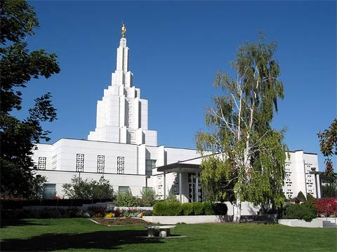 Idaho Falls Idaho Mormon Temple. © 2004, Rick Satterfield. All rights reserved.