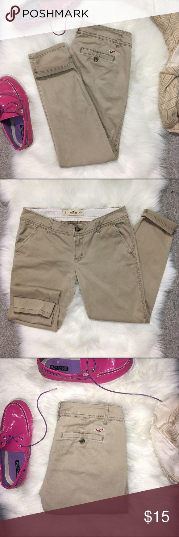 Hollister Khaki Skinny Pants Size 3/26 Short Hollister khaki skinny pants. Material is 98% cotton 2% elastane. Super soft, great for school uniforms! Size is 3/26 short. Hollister Pants Skinny