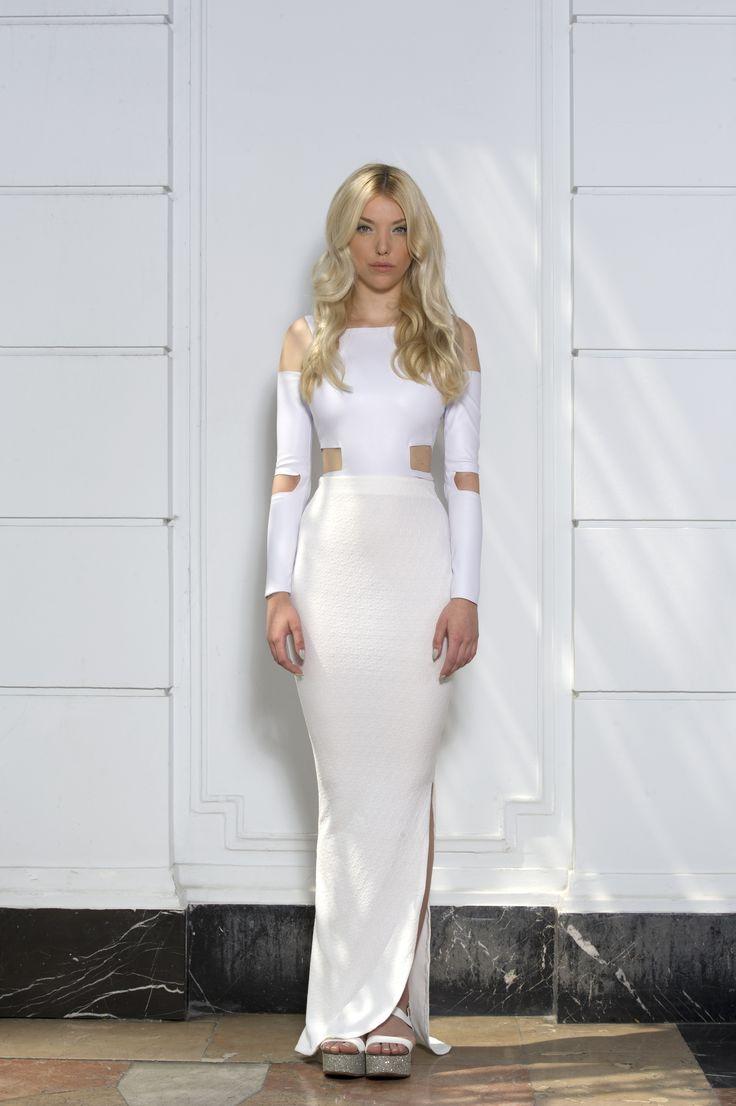 Clothes: FANNY NAGY Photo: Jácint Halász Smink: Rebeka Nagy Haj: Krasznár Zsolt Model: Cintia Kalász @Visage #fannynagy #clothes #design #fashion #style