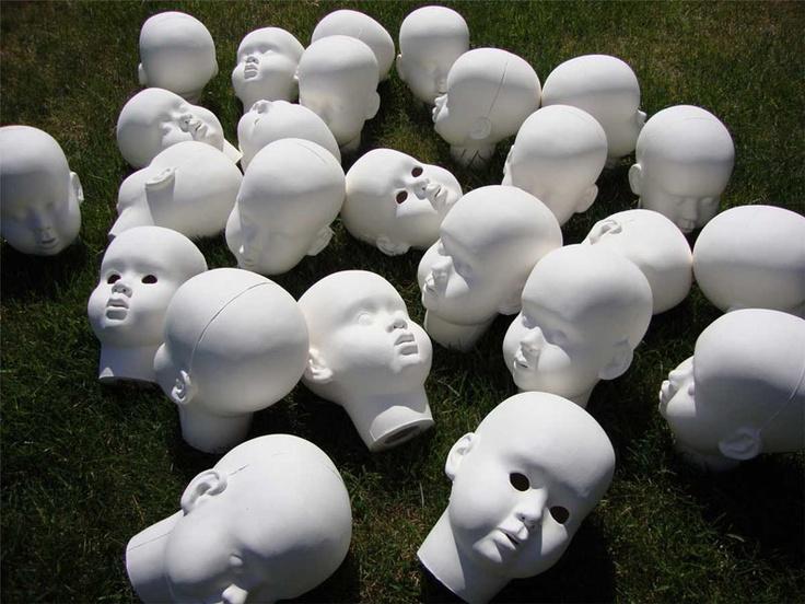 Anna Klimešová, Dolls, 2011, 14x18 cm, porcelain #porcelain #sculpture #dolls
