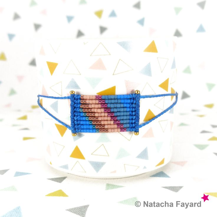 Micro macrame bracelet, with miyuki delica seed beads - stripe patterns. Colors : pale yellow, linen, green, fuchsia. © #bracelet #miyuki #delica #macrame #micromacrame #multicolore #ss2017 #blue #lapis #lapisblue #niagara #peach # hazelnut #fuchsia #pink #gold #etsy #stripe