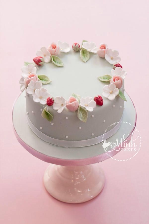 Simple Cake Design For Ladies : Best 25+ Vintage birthday cakes ideas on Pinterest ...