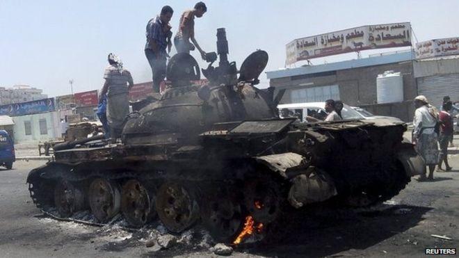 Yemen crisis: Fighting intensifies in Aden