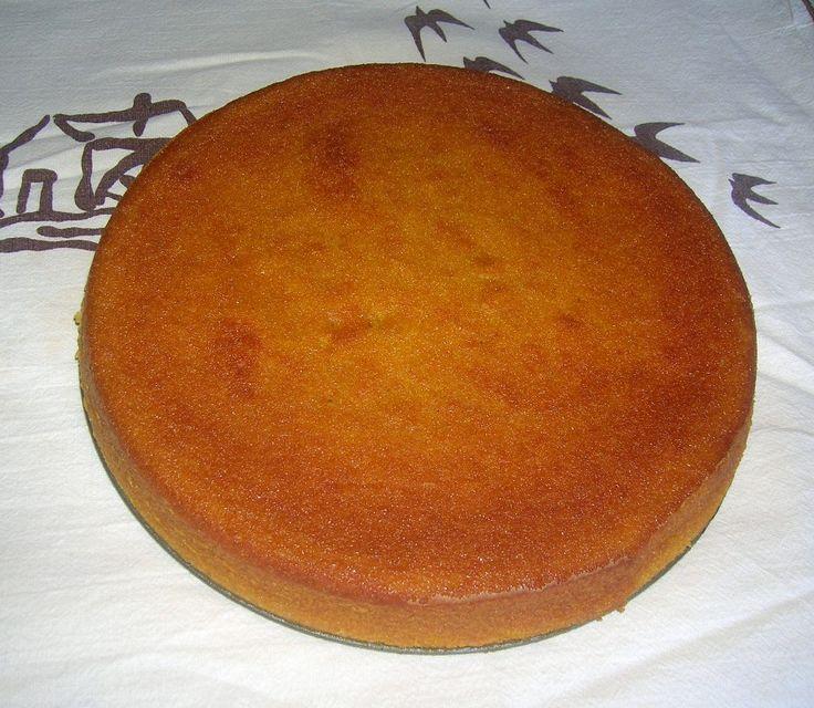 A grande richiesta...la Camilla...torta di carote e farina di mandorle!Ingredienti:450 gr di carote150 gr di farina di mandorle100 gr di farina 00100 gr di