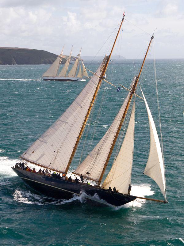 J Class Classic Yachts Racing, Sailboat Race, Classic J Boats,