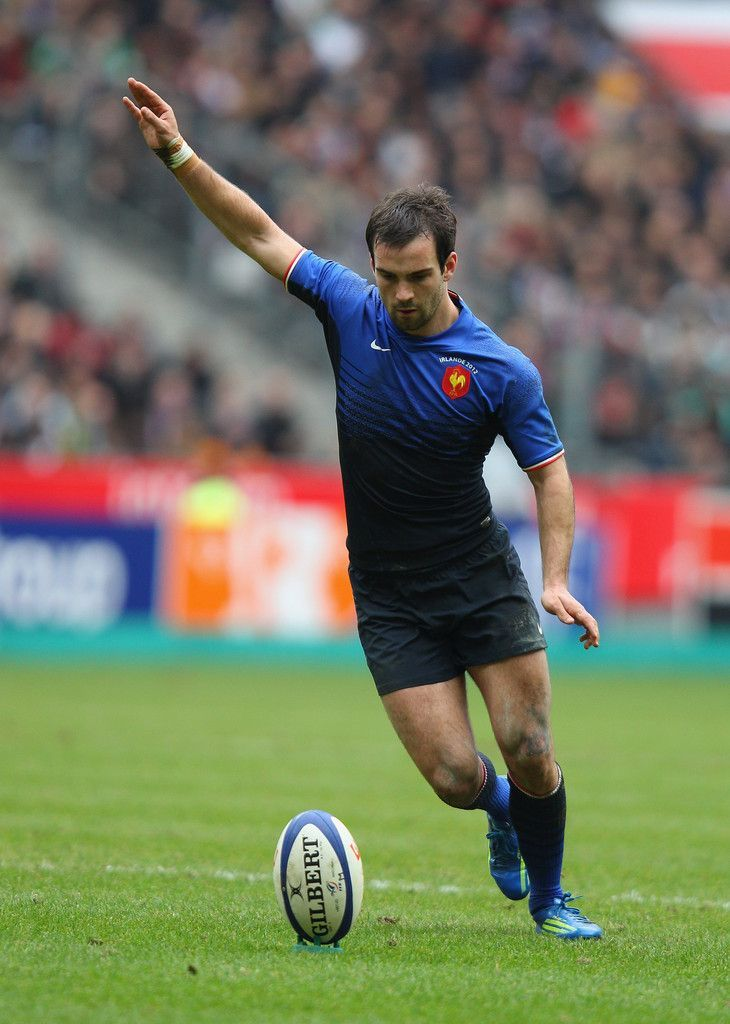 Morgan Parra of France takes a penalty during the RBS Six Nations match between France and Ireland at Stade de France on March 4, 2012 in Paris, France.