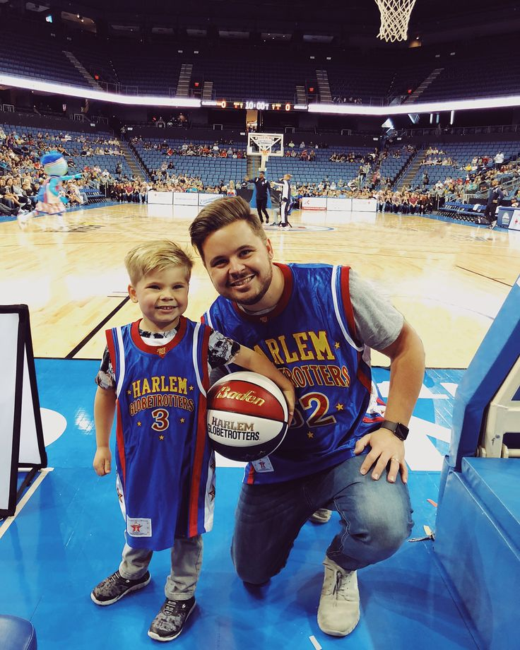 "Bryan Lanning ➳ on Instagram: ""Ollie had such a blast at the Harlem Globetrotters game! 🏀 Tomorrow's video is gonna be WILD! 🙌 Thanks for the invite @harlemglobetrotters!"""