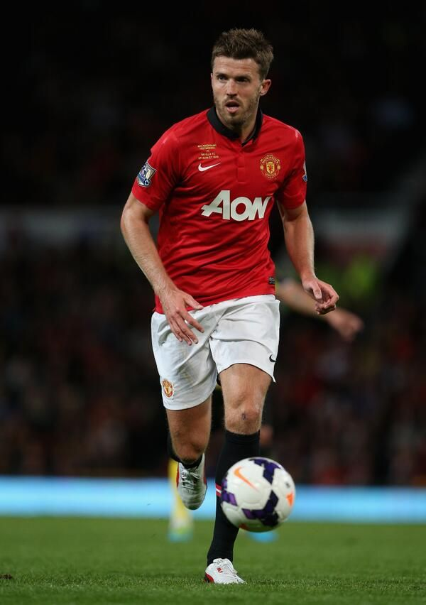 Michael Carrick in action vs Wigan at Wembley in the Community Shield. Carrick won Man of the Match. 11/08/2013