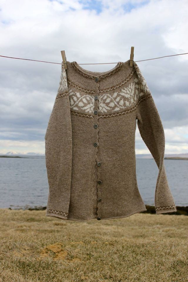 "Móakot - ""Kristín"" Wool Sweater Pattern"