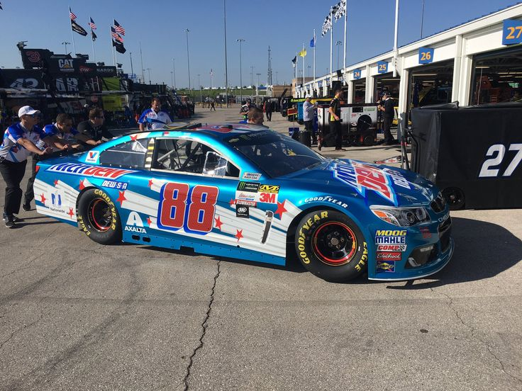 Dale Jr.'s Kansas car May 2017