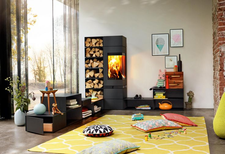 Modułowy kominek wolnostojący Elements z systemem RLU, który umożliwia pracę w domach energooszczędnych i pasywnych.